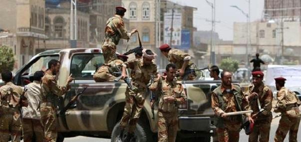 عاجل : بالتزامن مع ابناء تتحدث عن اصابة طارق .. قيادات حوثية تصل الان إلى منزل صالح (تفاصيل خاصة)